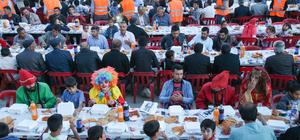 Gürpınar'da 3 bin kişi kardeşlik iftarında buluştu