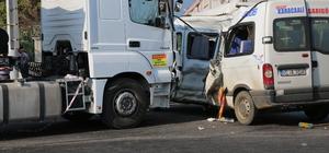 Denizli'de trafik kazası: 15 yaralı
