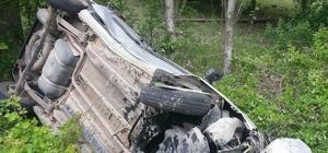 Otomobil ağaçlık alana devrildi: 1 yaralı