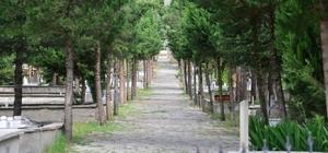 Erbaa'da mezarlıklarda bayram temizliği