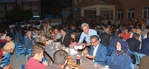 Van'ın Çatak ilçesinde esnaflar ilk defa vatandaşlara iftar yemeği verdi