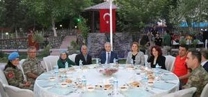 Mehmetçik'ten şehit ve gazi ailelere iftar yemeği