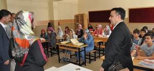 Simav'da açılan yaz Kur'an Kurslarında, 8'inci sınıf öğrencilerine yönelik TEOG sınıfları oluşturuldu