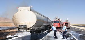 Nusaybin'de ham petrol yüklü tanker yandı