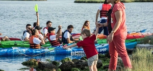 Karşıyakalı çevreciler Gediz Deltası'nı temizledi