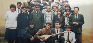 1993 mezunları iftarda buluştu