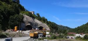 Rize'de Salarha Tüneli'nin delme çalışmalarında bin 600 metrelik mesafe alındı