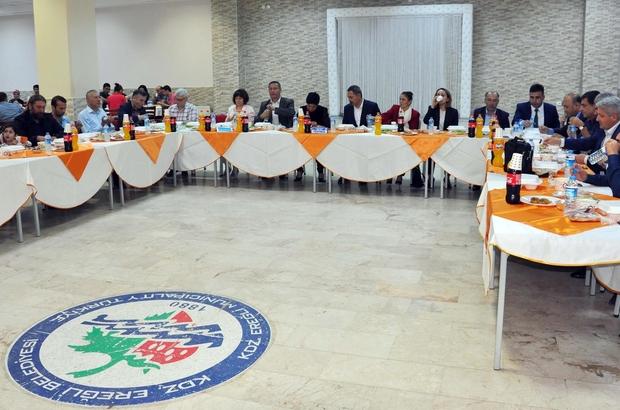 Uysal, STK'lar, gazeteciler ve belediye personeli ile iftar yaptı