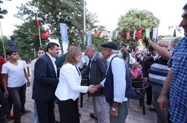 Başkan Şahin, iftar sofralarında vatandaşlarla buluşuyor
