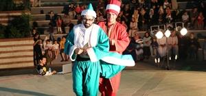 Haliliye Belediyesi tiyatro ekibi ortaoyunu sahneledi