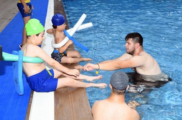 Engelsiz yüzme havuzunde sezon açıldı