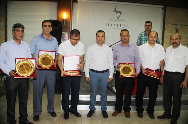 Erzin'de okul müdürleri ödüllendirildi