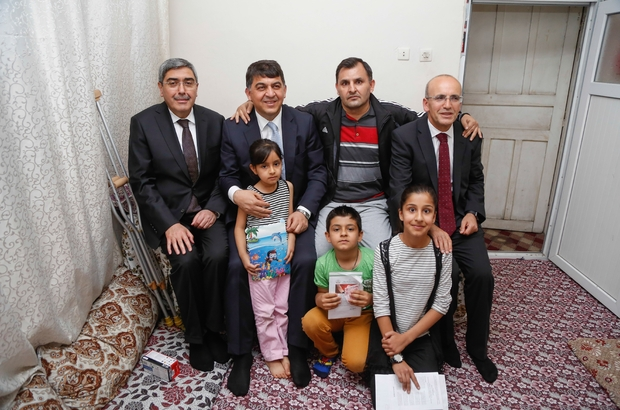 Şimşek ile Fadıloğlu, iftar öncesi aileleri ziyaret etti