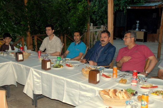 Tuşba Milli Eğitim Müdürlüğünden iftar yemeği