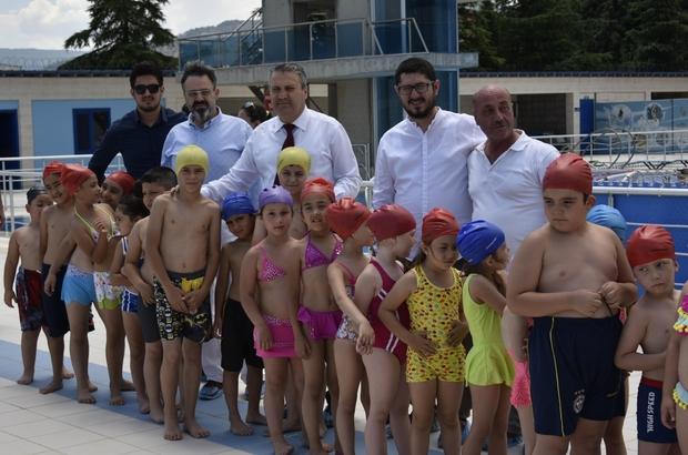 Çocuklar yüzmeyi çok sevdi
