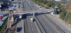 Çayırova'ya yeni yaya köprüsü