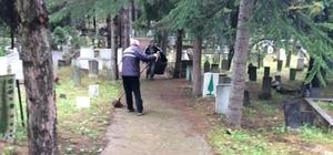 Mezarlıklarda bayram temizliği