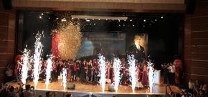 DÜ Tıp Fakültesi mezunları diplomalarını aldı