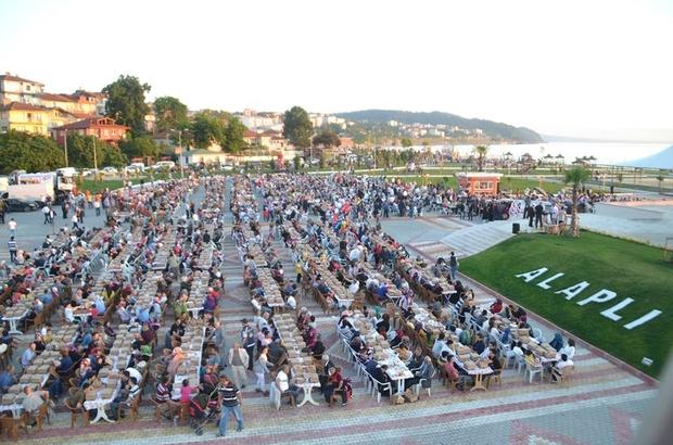 3 bin kişiye sahilde iftar