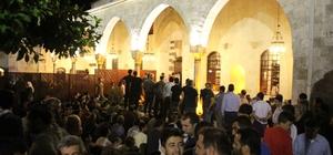 Hatay'da Habib-i Neccar'da Kadir Gecesi Coşkusu