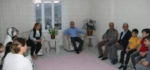 Vali Toprak, Atış ailesinin evine konuk oldu