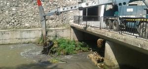 Karasu'da temizleme çalışması yapılıyor