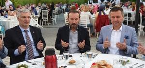 Başkan Doğan, AK Parti teşkilatını iftarda ağırladı