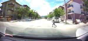 Kaza anı otomobil kamerasında