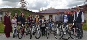 ASP İl Müdürlüğü'nden çocuklara bisiklet