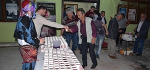 Kadir Gecesi'nde vatandaşlara Osmanlı şerbeti ikramı yapıldı