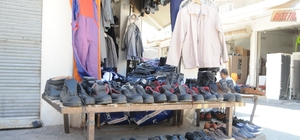 İkinci el kıyafet pazarında bayram yoğunluğu