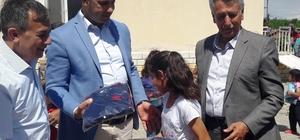 Yazıhan'da öğrencilere eşofman ve spor ayakkabı desteği