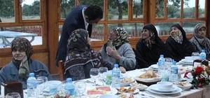 Süloğlu Sosyal Yardımlaşma ve Dayanışma Vakfı'dan yaşlılara iftar
