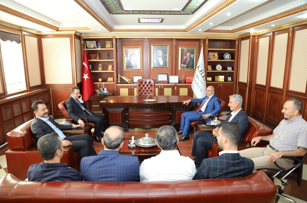 Vali Çataklı'dan Başkan Kara'ya veda ziyareti