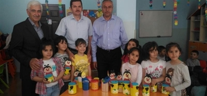 Erzincan'da minik öğrencilerden örnek davranış