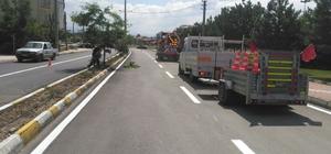 Seydişehir'de yol çizgileme çalışması