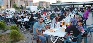Kayapınar 64 bin kişiye iftar verdi