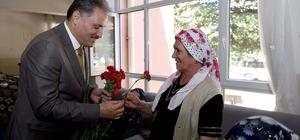 Başkan Çakır yaşlıların bayramını kutladı