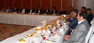 AK Parti gazetecilerle iftarda bir araya geldi