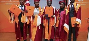 46 öğrenci ülkelerinin İzmir elçisi oldu
