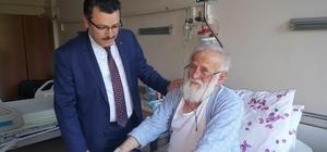 Başkan Genç, Arefe Günü hastaları ziyaret etti