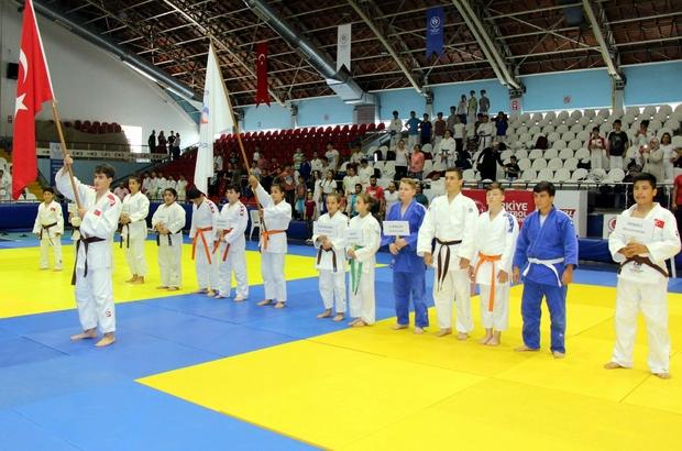 Tarzan anısına judo turnuvası