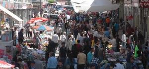 Çarşı-pazarda bayram telaşı