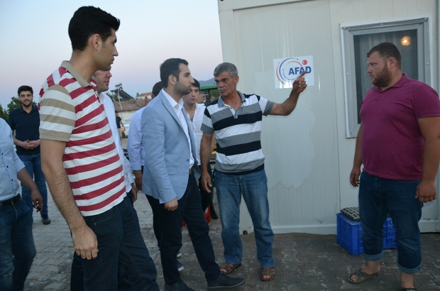AK Parti'li gençler depremzedelerin gönül sofrasında