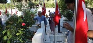 Hatay'da camiler ve mezarlıklar doldu
