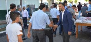 Siverek Belediye Başkanı Resul Yılmaz, halkla bayramlaştı