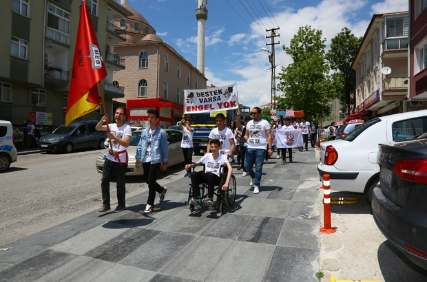 Engelli hakları için yürüdüler