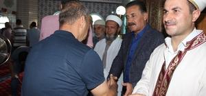 Başkan Tuna, vatandaşlarla bayramlaştı