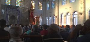 Nazilli'de bayram namazında camiler doldu taştı