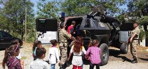 Çocuklara polis ve jandarma tanıtıldı